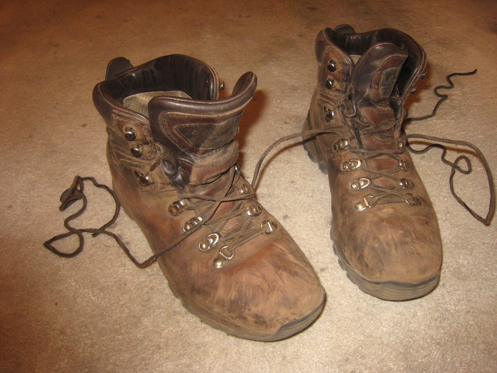 Images Of Old Hiking Boots